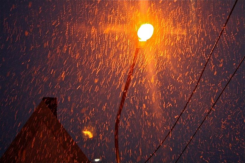 A neve e o poste, por Edison Veiga